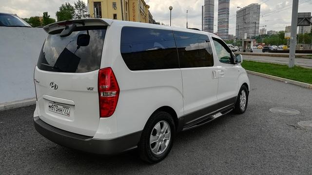 Купить микроавтобус Хюндай Старекс 2wd максимальная комплектация HVX в Москве 2015 г.