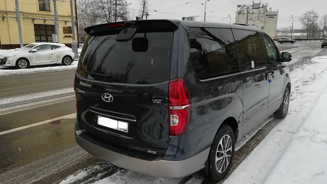 Купить микроавтобус Хюндай Старекс 4wd в Москве